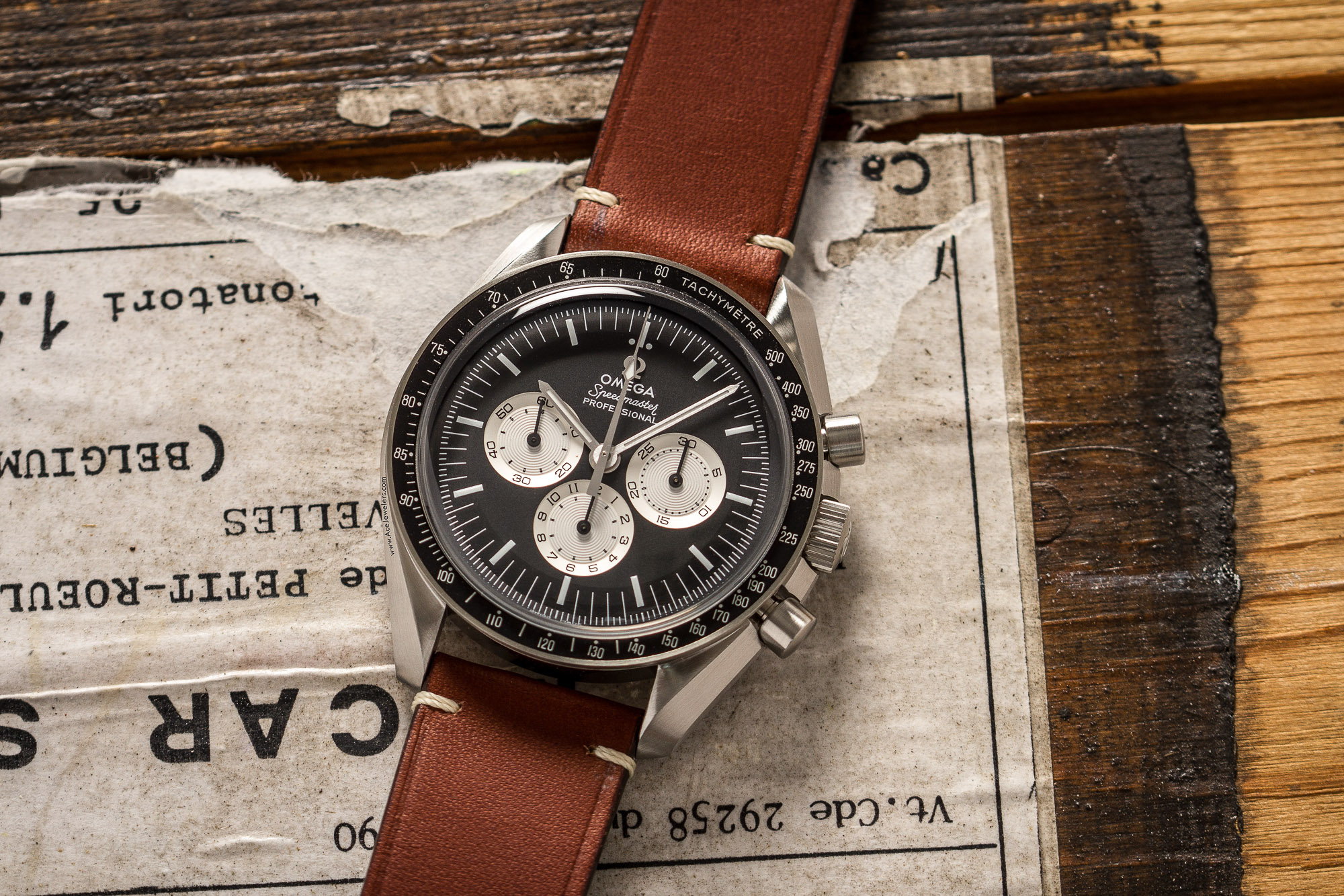 Omega Speedmaster Professional #SpeedyTuesday 311.32.42.30.01.001